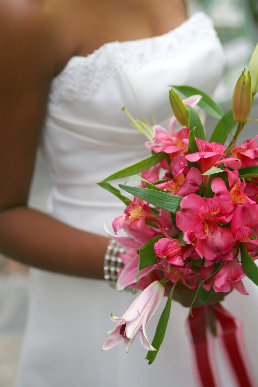 It's fast, easy, and free to deliver your bouquet for flower preservation from the Iowa City, IA area. Call today! 701-400-6162.
