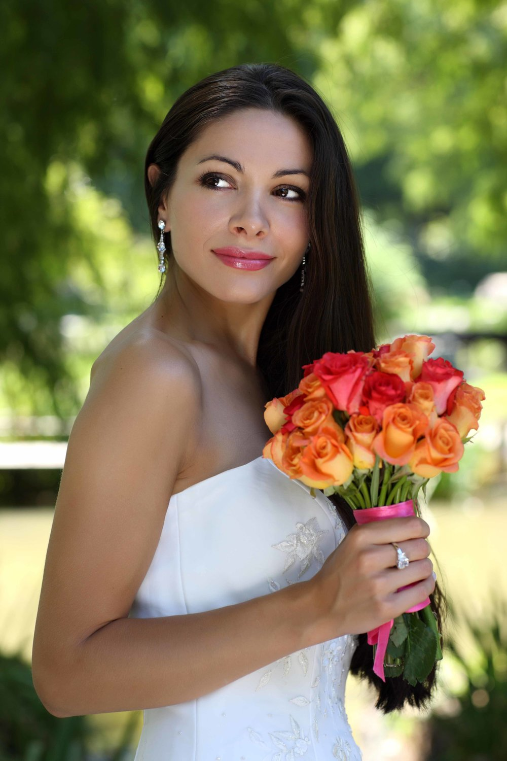 It's fast, easy, and free to deliver your bouquet for flower preservation from the Milwaukee, WI area. Get started today! Call 701-400-6162.