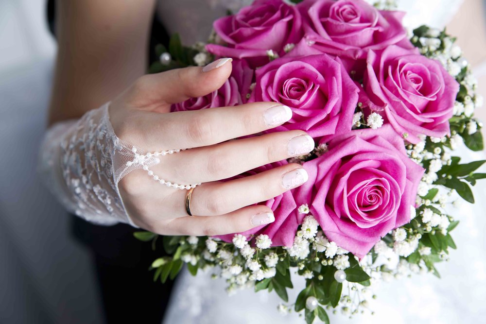It's fast, easy, and free to deliver your bouquet for flower preservation from the Peoria, IL area. Call today! 701-400-6162.