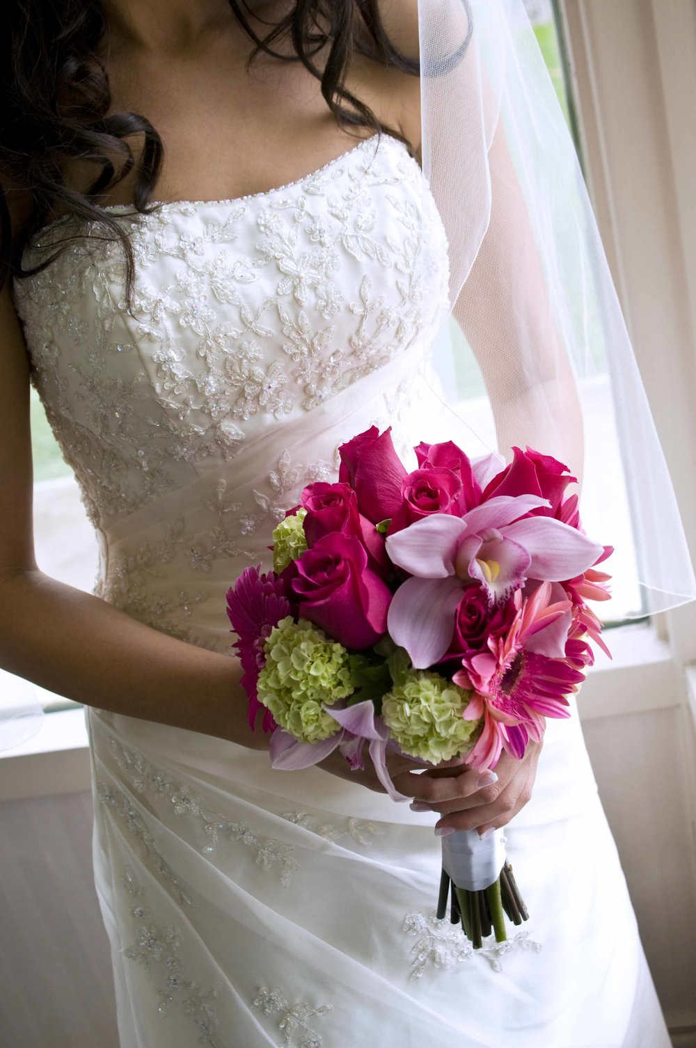 It's fast, easy, and free to deliver your bouquet for flower preservation from the Springfield, IL area. Call today! 701-400-6162.