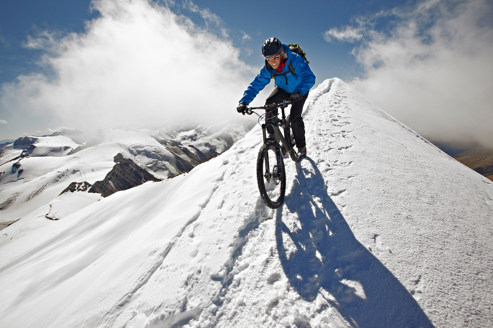 Am vergletscherten Gipfelgrat des Monte Cevedale 3.770m © Sebastian Doerk I infinitetrails