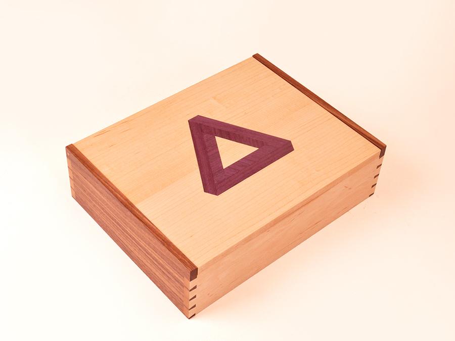 Box Hagon2.jpg
