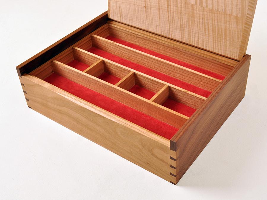 Box Dobinson 2.jpg