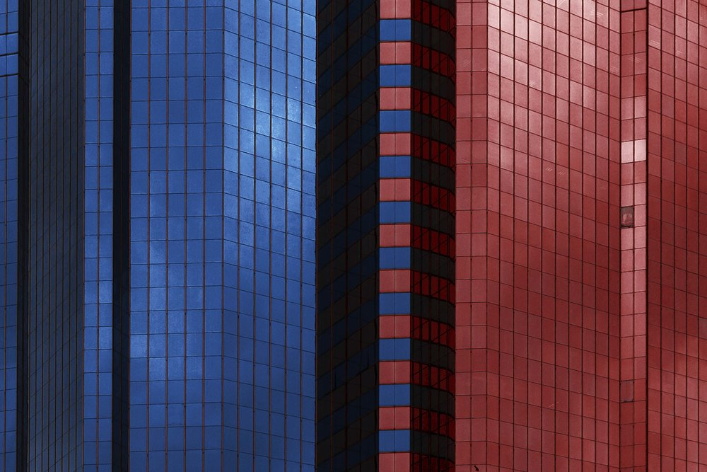 Divide . 香港. 2017.  24mm f/2.8 1/2000 sec ISO 125