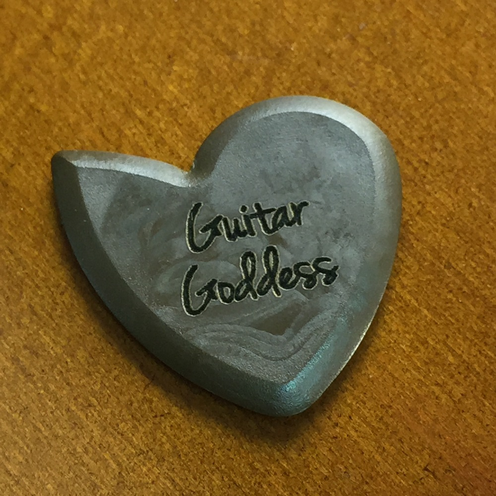 how to make your own custom guitar picks