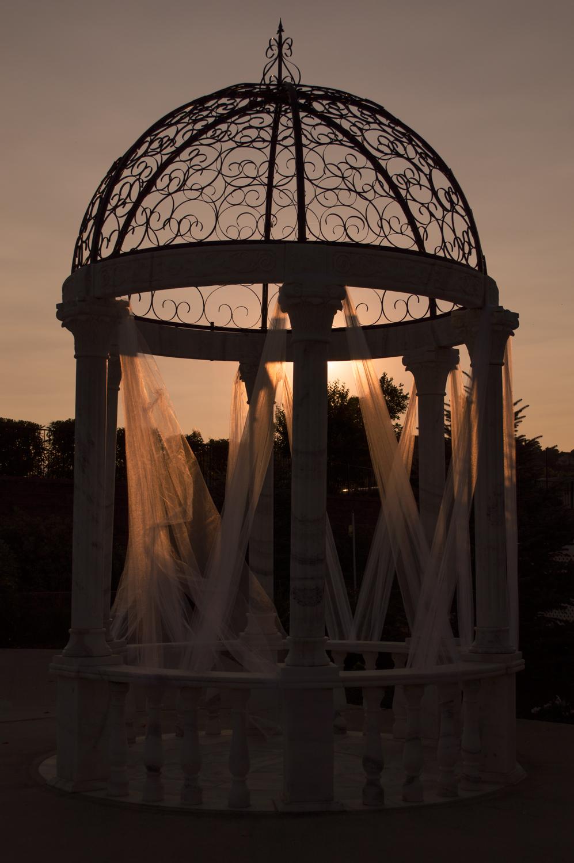 The Fountains, LaQuinta, Loveland    Nikon D3200 • Nikon 18-55mm lens • 32mm • F/6.3 • 1/3200s • ISO 100
