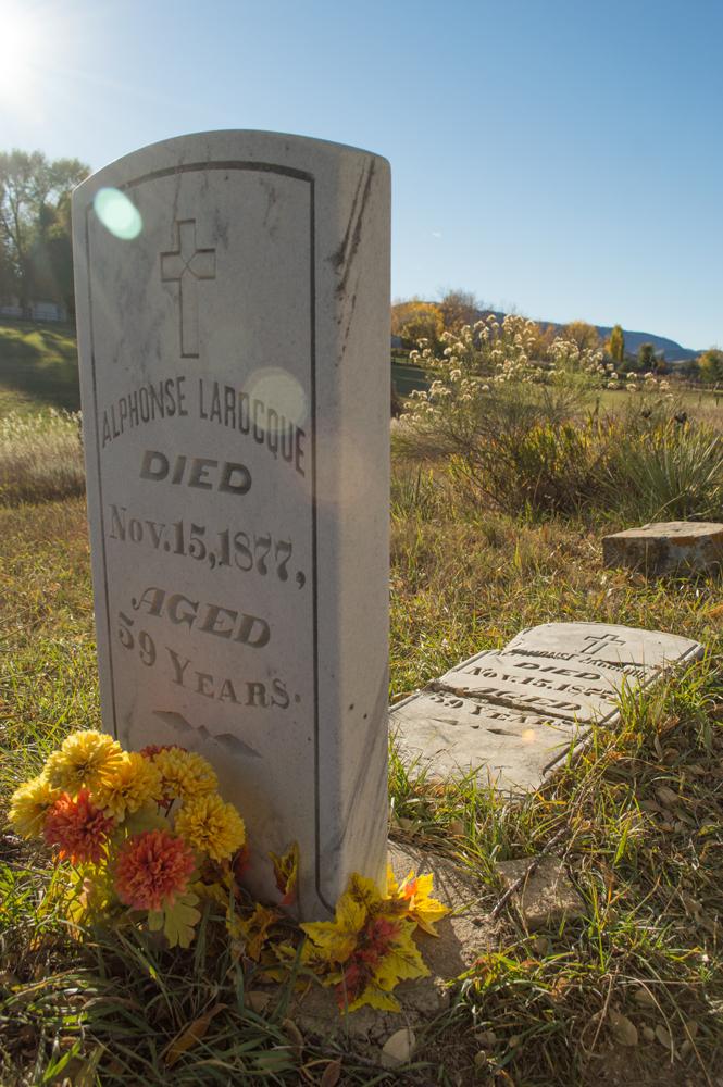 Bingham Hill Cemetery    Nikon D3200 • Nikon 18-55mm lens • 20mm • F/8 • 1/400s • ISO 100