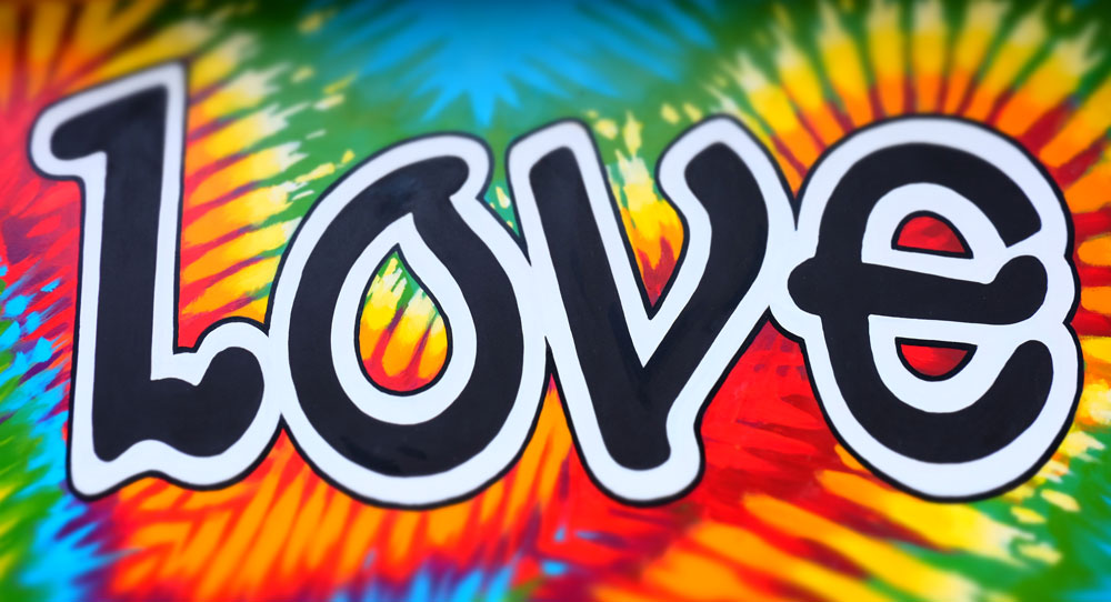 One Love Wall Mural, Loveland, CO    Fujifilm X-E2 • Fuji XF18-135mm lens • 20.1mm • F4.5 • 1/280s • ISO 200