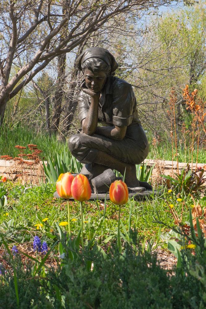 """Flora"" by Jo Hess, Benson Sculpture Park, Loveland, CO  Fujifilm X-E2 • Fuji XF18-135mm lens • 46.6mm • F/13 • 1/125s • ISO 400"