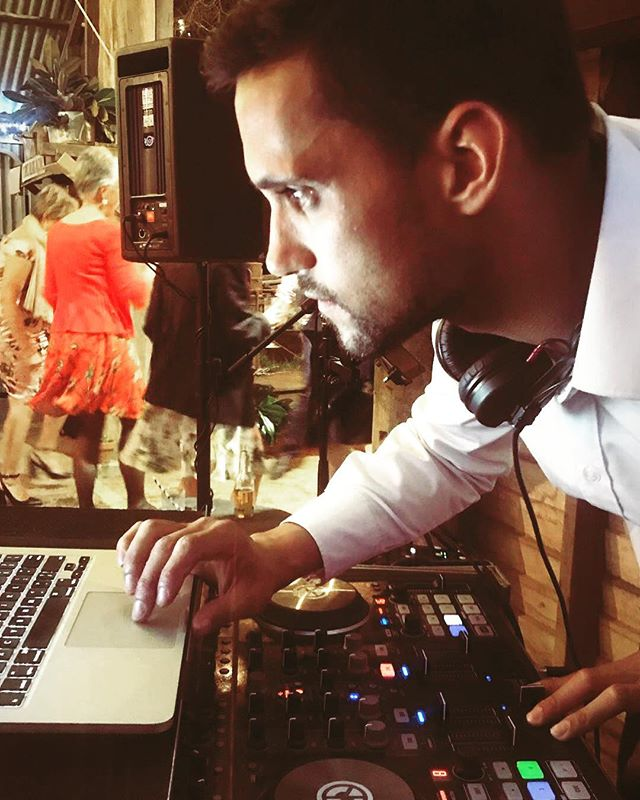 In the moment. You should check out my dance moves ☝️ #wedding #weddingdj #dancefloor #djdecks #concentrating #wedding #dancefloor #weddingcake #wedding #countryvictoria #brideinspo #weddingday #weddingreception #tunes