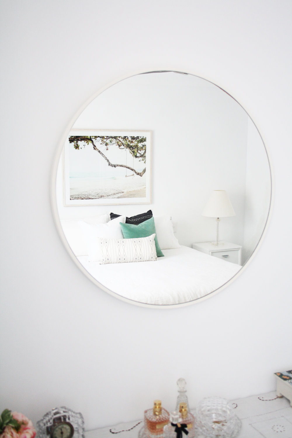 mirror bedroom.jpg