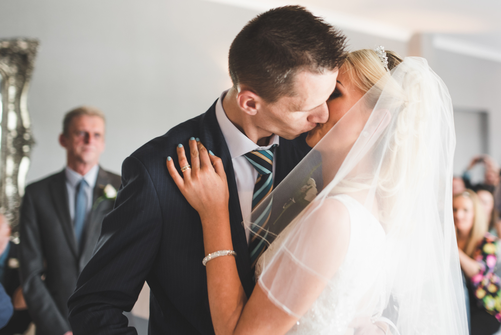Northern_Ireland_Wedding_Photographer_Wedding_Kiss