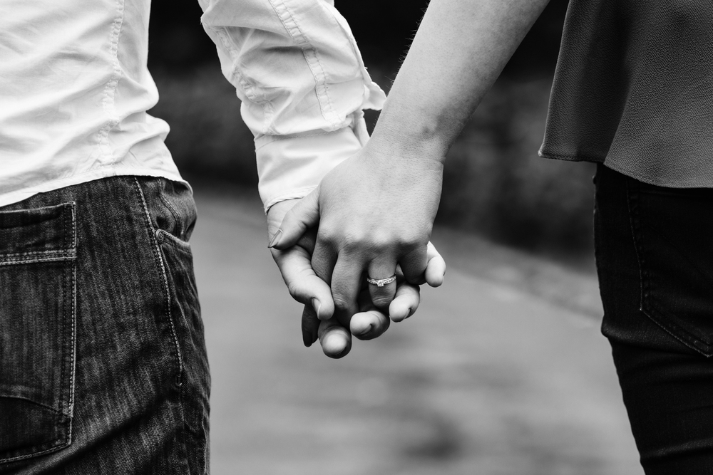 Engagement_Photography_Lady_Dixons_Holding_Hands