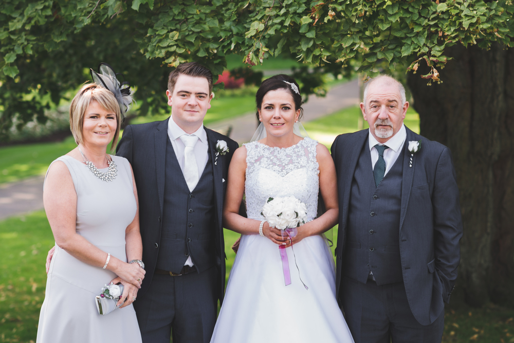 Belfast_Wedding_Photographer_Purephotoni_Musgrave_Park_Group_Photo