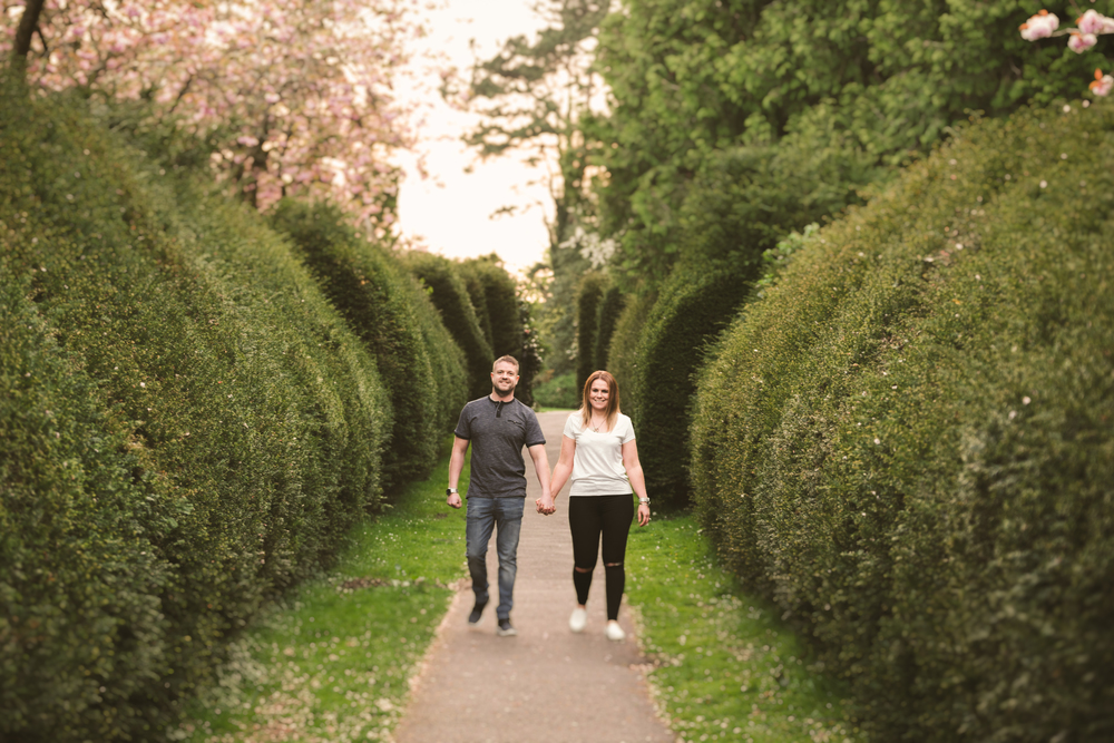 Nikki_Chris_engagement_session_belfast_purephotoni_sir_thomas_and_lady_dixons_park_hedges