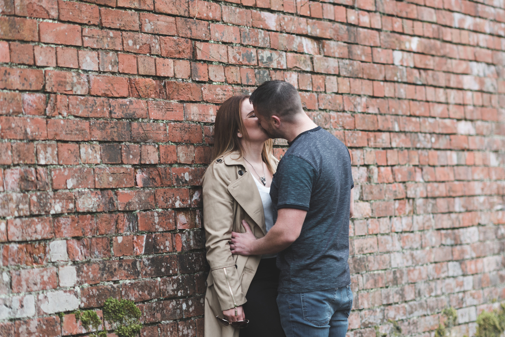 Nikki_Chris_engagement_session_belfast_purephotoni_sir_thomas_and_lady_dixons_park_kiss