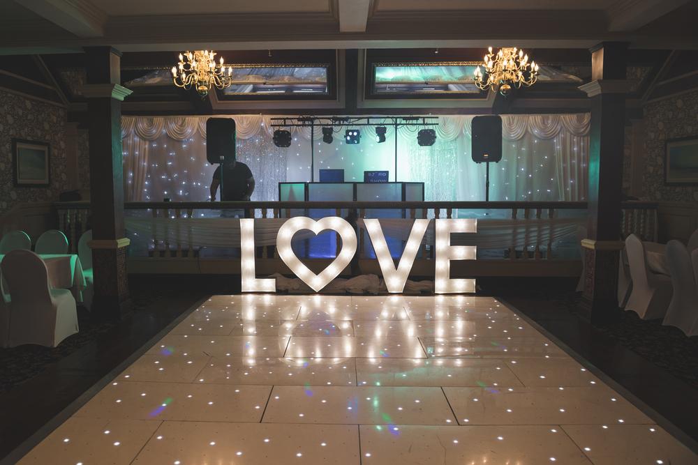 Ballymac_Hotel_Lisburn_Wedding_room_set_up