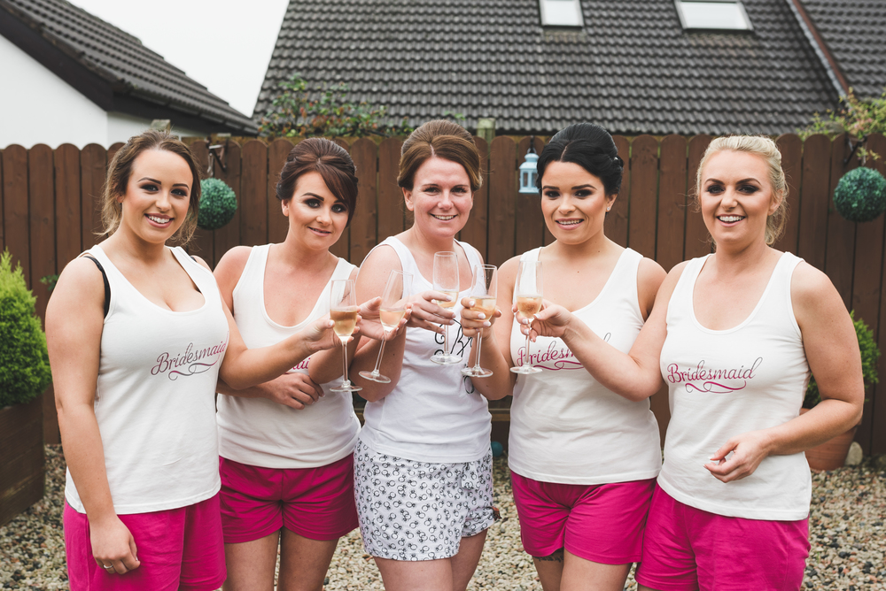 Belfast Wedding Photographer purephotoni Ramada Plaza Bride Bridesmaids getting ready
