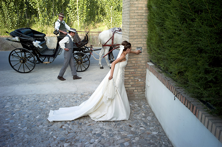 photojournalistic wedding photography style, Bride, Leica