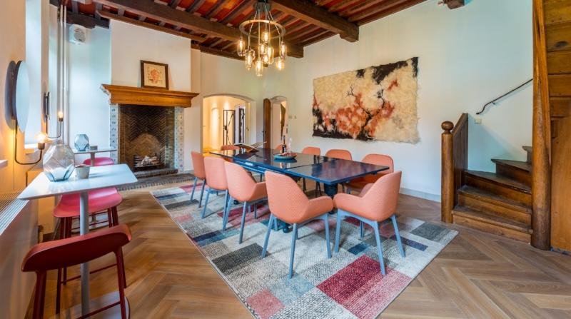 Lounge  Capaciteit 15 personen Zaalverhuur vanaf €225,-