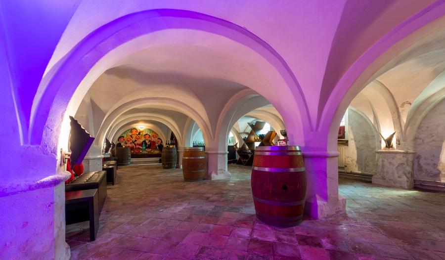 Wijnkelder  Capaciteit 30 personen   Zaalverhuur vanaf €235,-