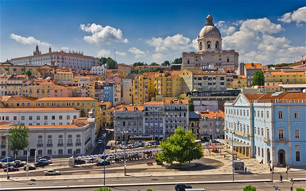 Lisbon Accommodation and Didactic Tours
