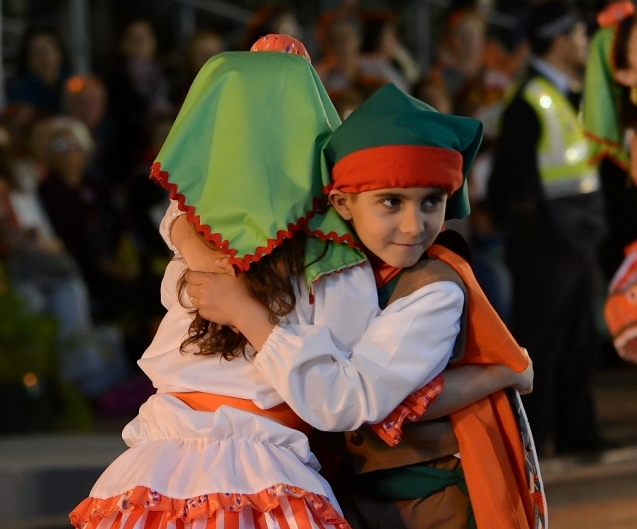 Children and adults of every neighbourhood prepared dances and songs. They are going to show them at the Meo Arena on Friday, Saturday and Sunday nights. If you are curious, look at the entire list!