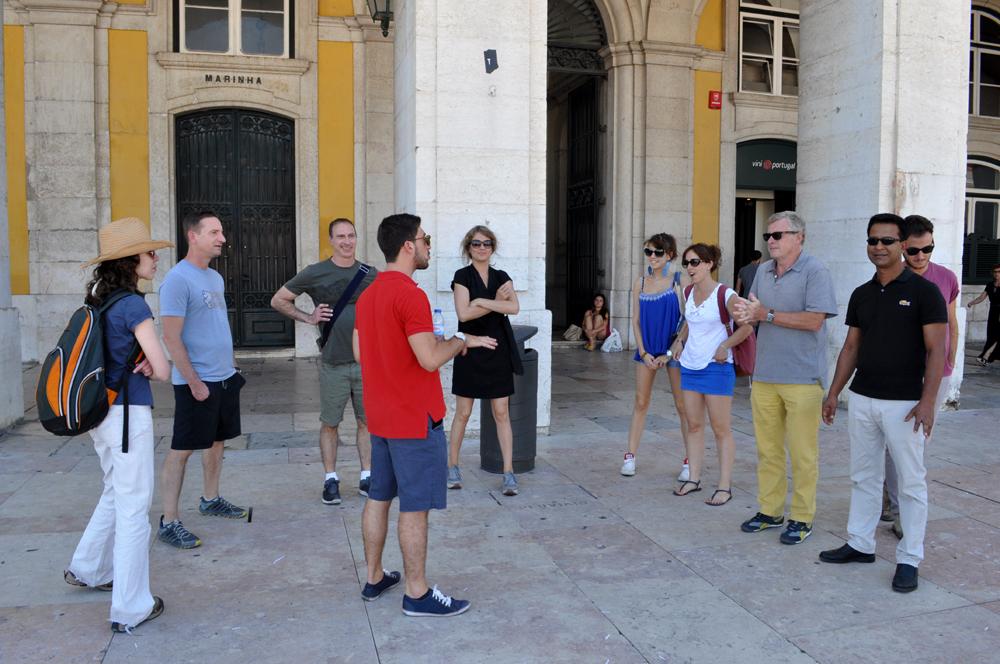 Português Et Cetera_Learning Tour_Fim da Monarquia, Implantação da República, Estado Novo e Revolução dos Cravos_foto2