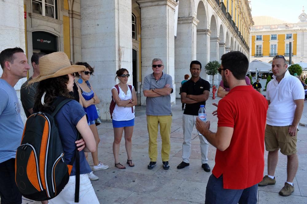Português Et Cetera_Learning Tour_Fim da Monarquia, Implantação da República, Estado Novo e Revolução dos Cravos_foto3