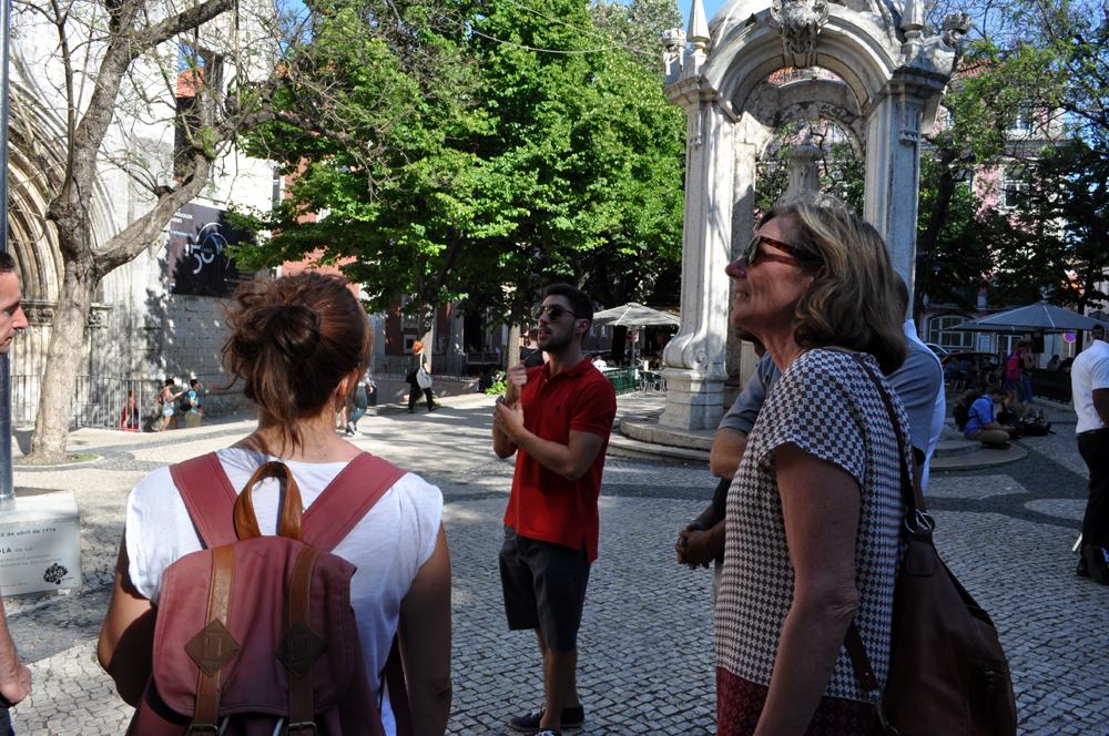 Português Et Cetera_Learning Tour_Fim da Monarquia, Implantação da República, Estado Novo e Revolução dos Cravos_foto7