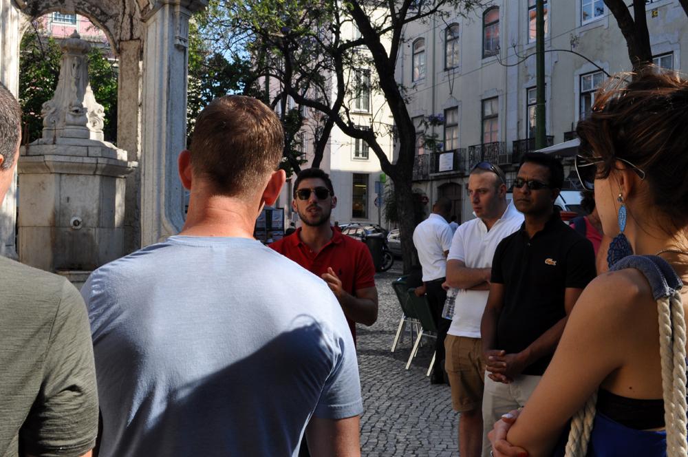 Português Et Cetera_Learning Tour_Fim da Monarquia, Implantação da República, Estado Novo e Revolução dos Cravos_foto8
