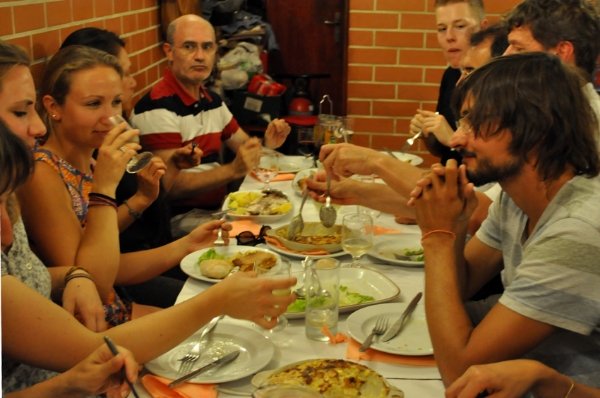 Portugues et Cetera_School Events_Ti Natercia's Dinner011.jpg