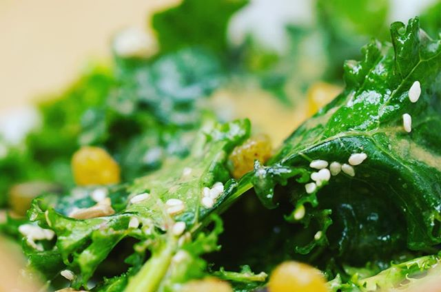 Mondays are all about kale for us! Check out our range of salads in @joesdublin . . . (Note: Actually most days are about kale for us!) . . . #kale #nutrition #nutritious #nutritiousfood #healthyeating #goodfood #bestfoods #healthyfoods #salads #dublinfood #healthylunch #dublinlunch #alchemy #tasty #healthy #salads #Monday #MondayMotivation #paleo #paleocaesar #kalesalad