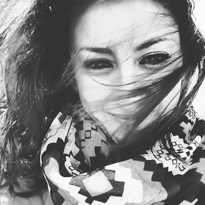 Delia Zappalà  Video Editor     Cosa mi piace: Scrivere i miei pensieri, i libri di Cammilleri, i gatti e le gattare. Mi piace sognare, immaginare, parlare con me stessa e fantasticare.     Cosa non mi piace: Chi sale sul brt con le ascelle sudate, chi non risponde al ciciulio e soprattutto non mi piace quando la realtà non è all'altezza delle mie fantasie.