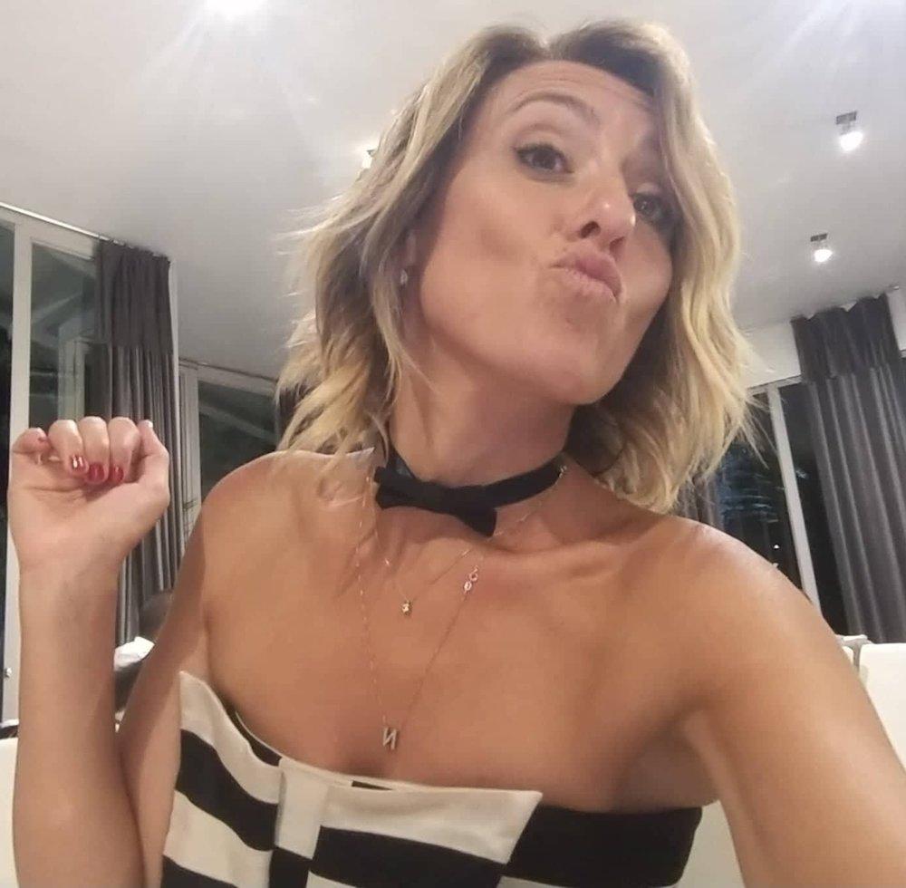 Giovanna Milioto  Video editor    Cosa mi piace: Sapere tutto di tutti, riempire i silenzi soprattutto quelli mattutini in studio e sorridere alla vita!       Cosa non mi piace: Stendere il bucato, la monotonia e la musica neo-melodica.