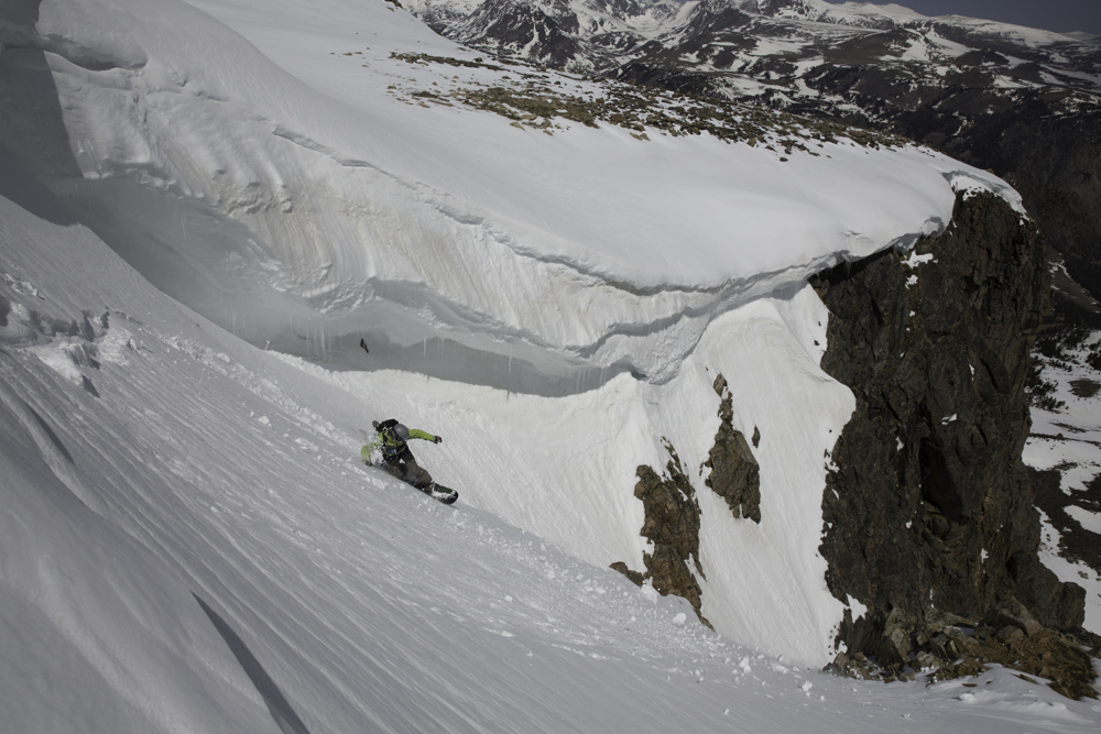 E-Mo testing the waters in Hanging Couloir.