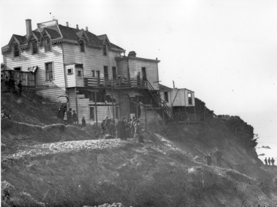Back side of Cliff House 1887