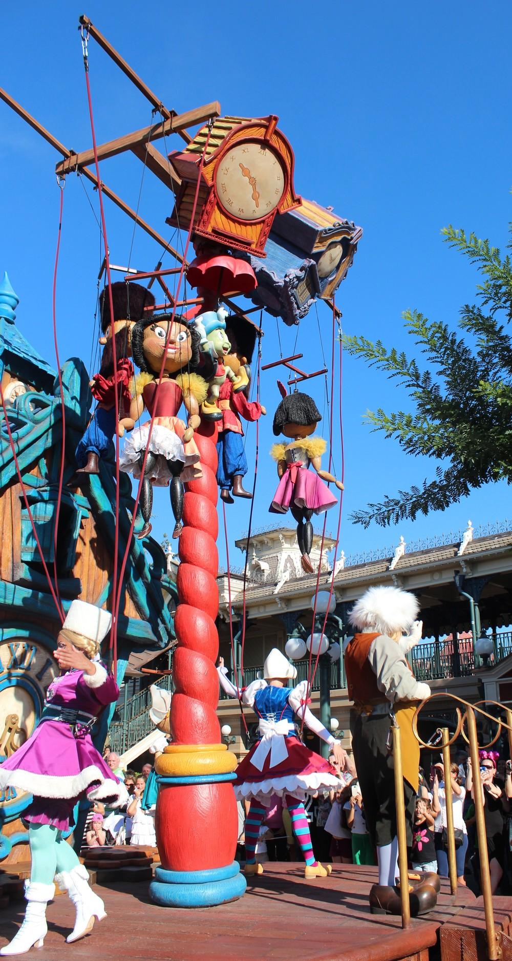 Pinocchio Float Disney Paris