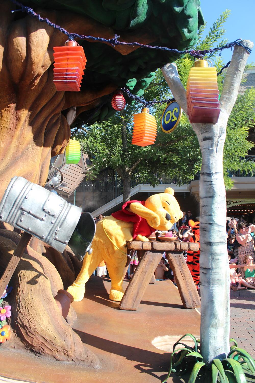 Pooh Float DIsney Paris