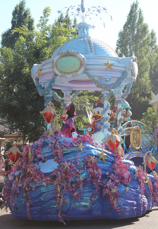 Minnie Float Disney Paris
