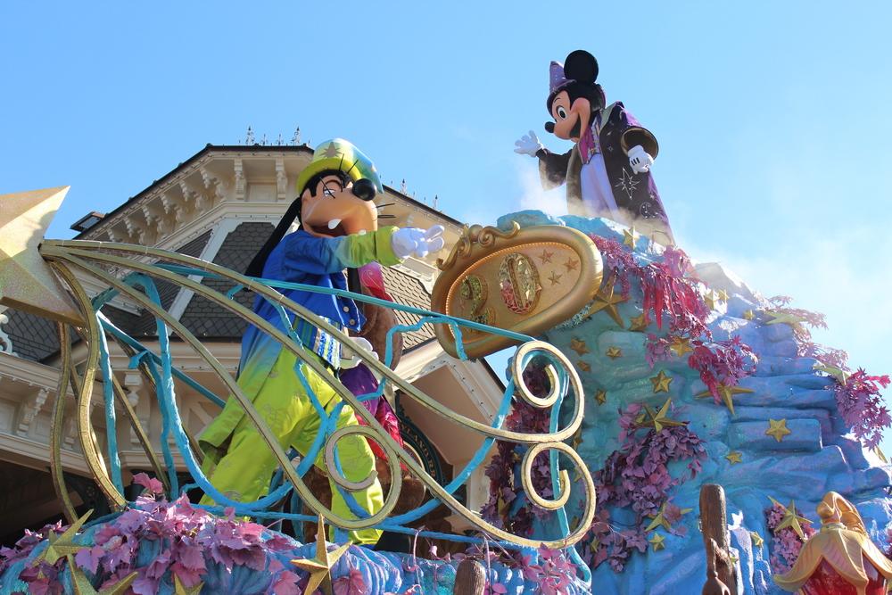 Mickey Float Disney Paris