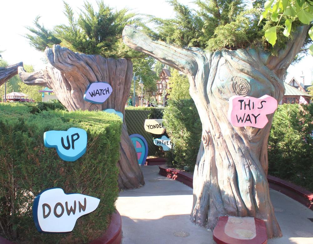 Alice's Labyrinth Disneyland Paris