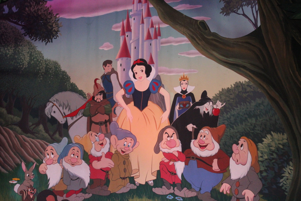 Snow White Mural Disneyland Paris