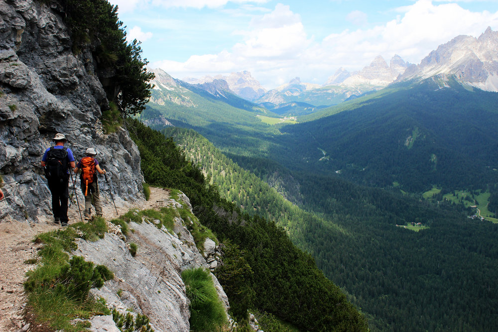 Views hiking to Lago di Sorapis
