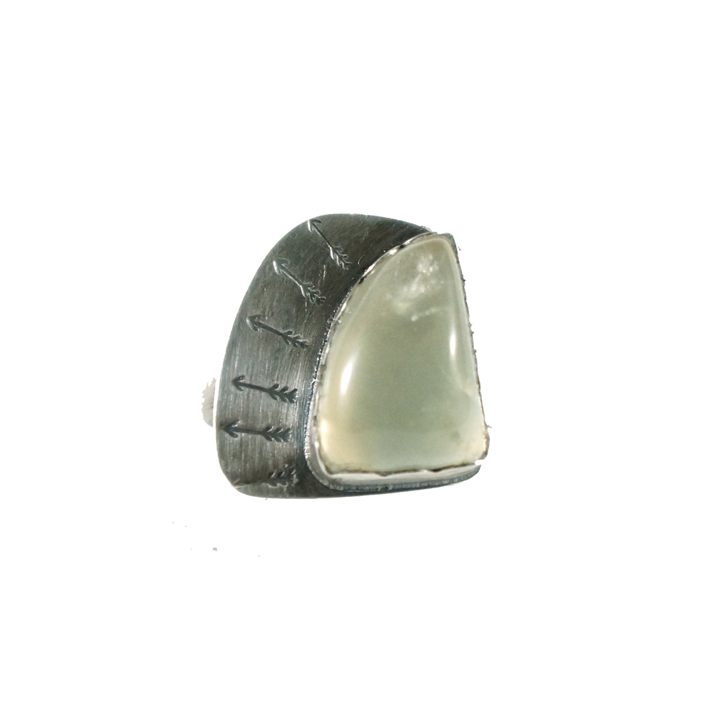 prehnite_arrow_ring_1.jpg