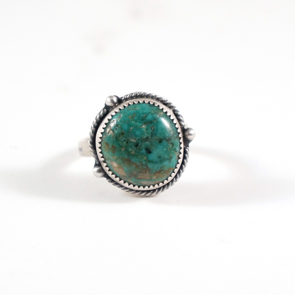 This turquoise & sterling silver ring is a cool, modern take on a traditional, southwestern design