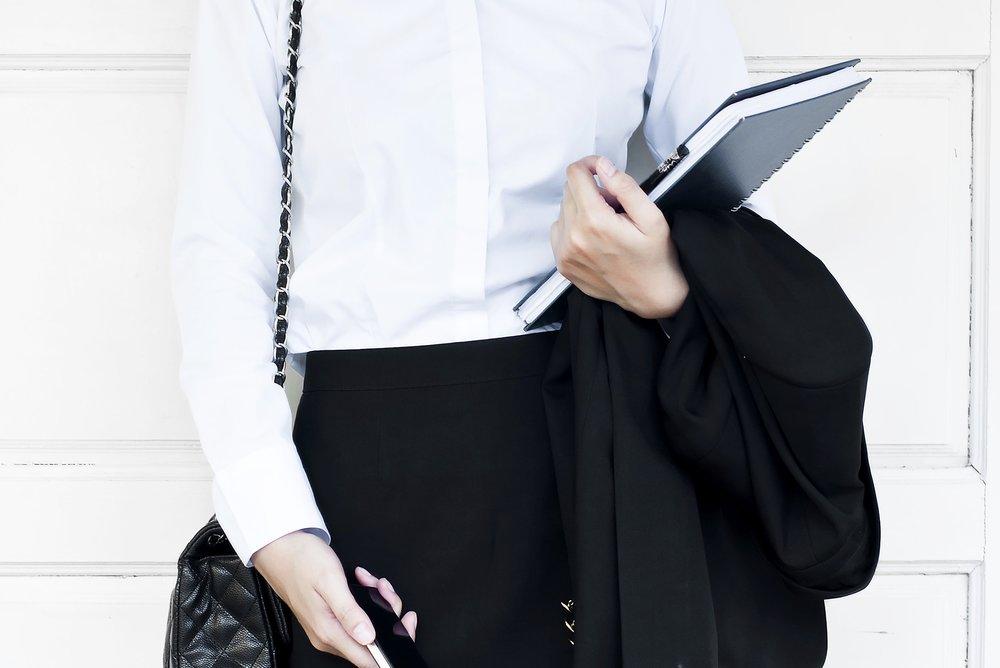 Golden-Girl-Finance-Media-Kit-Toque-Agency-business-woman