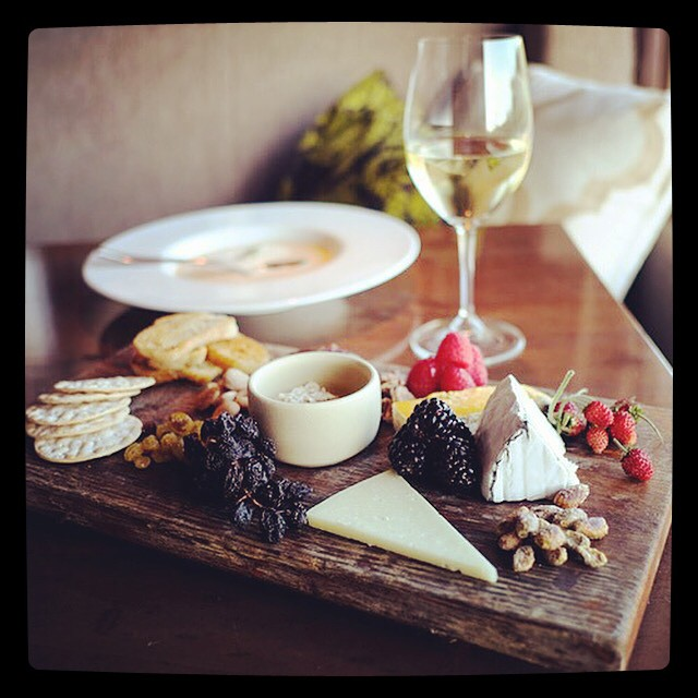 When in Cali... #vino #cheese #allthethings #alltheeverything #yum #foodie #foodporn #gourmet #findelicious #grapes #lunch #follow