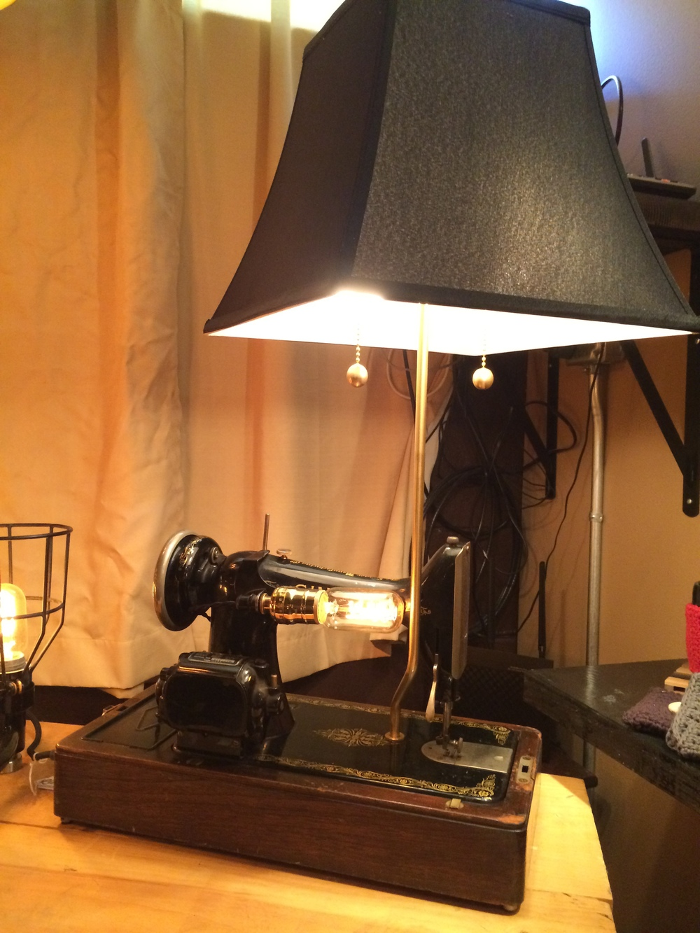 Singer Portable Sewing Machine Lamp w/Touch Dimmer $250
