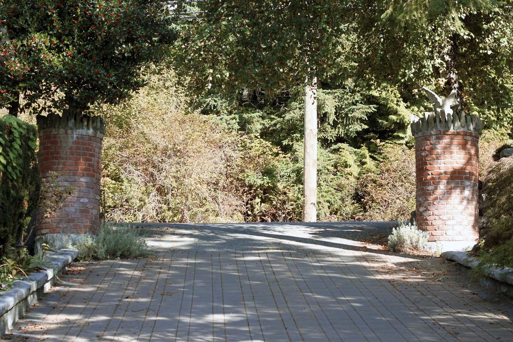 Entrance_13.jpg